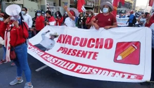 | Supporters of Castillo remain in the street foto peru libre | MR Online