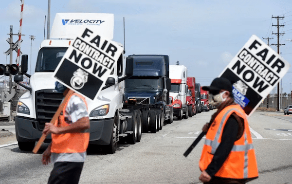 | Longshore workers walk off the job in solidarity with Teamsters in San Pedro Calif | MR Online