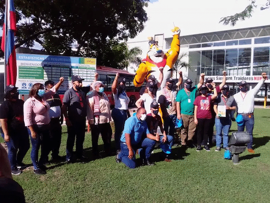 | Socialist Kellogg factory workers and a delegation of workers from the US Canada Colombia Mexico and Tunisia visiting the factory Fight Back Newsstaff | MR Online