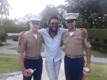 | San Isidro member and reggae artist Sandor Pérez Pita aka Rassandino with Marines inside the US embassy in Havana | MR Online