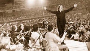 | Mikis Theodorakis during a concert at the Panionios Stadium in 1975 | MR Online
