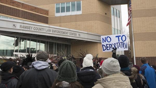 MR Online | Protest against the deportation of immigrants | MR Online