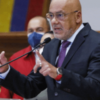 Jorge Rodriguez, President of Venezuelan National Assembly announcing Alex Saab joining the Venezuelan government delegation to the Mexico Talks. Photo courtesy of Ultimas Noticias.