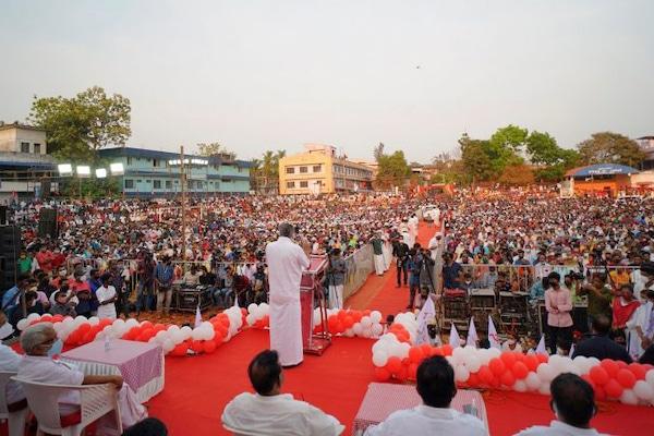 MR Online | Chief Minister Pinarayi Vijayan addresses an election campaign rally in Kerala Photo Pinarayi VijayanFacebook | MR Online